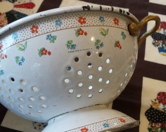 vintage Colander enamel pretty flower design with handles made by  M. Kamenstien Inc.