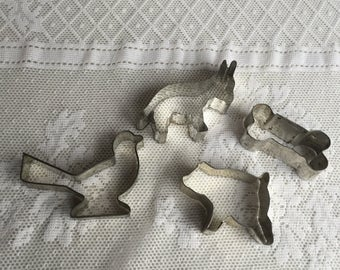 Vintage Metal Cookie Cutters / Animal Cookie Cutters / Pig Bird Donkey and Bone Tin Cookie Cutters
