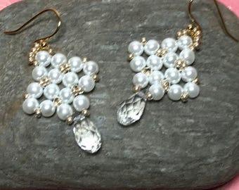 Pearl Gold Earrings White Bead Earrings Seed Bead Earrings White Drop Earrings Beadwoven Earrings Beadwork Earrings White Beaded Dangles