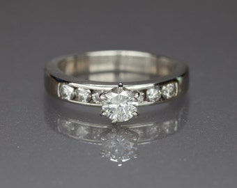 950 Platinum And Diamond Ring w/0.82ct Si-1, G-H Color Wedding/Engagement Ring. Size 7