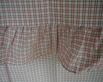 Vintage Martha Stewart Flat Bed Sheet, Queen Size, With Ruffled Edge, Red and White Windowpane Plaid,  Farmhouse Chic, Cottage Chic, Unused