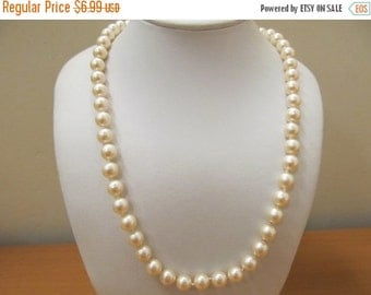 On Sale Vintage Hand Knotted Faux Pearl Pearl Necklace Item K # 2754