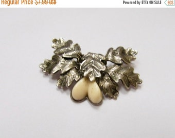 On Sale Vintage Autumn Leaves with Nuts Pin Item K # 480