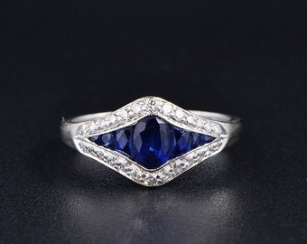 English glittering 1.30 Ct natural blue sapphire and diamond ring