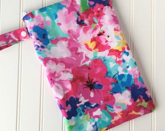 Floral Wet Bag -  Swim Bag - Lake Bag - Beach Bag - Waterproof Bag - Swimsuit Bag - Zip Pouch - Zippered Wet Bag - Bikini Wet Bag
