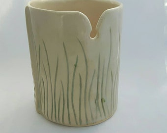 Grass pattern Pottery Yarn Bowl - Cream and Green
