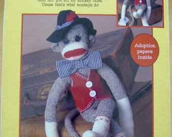 Free shipping! Unkey the sock monkey kit by Leisure Arts