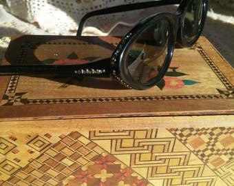 Vintage Retro Mad Men 1950s Mid Century Black Bakelite Cat Eye Glasses with Rhinestones