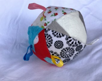 Jingle Fabric Tag Ball Baby Crib Toy Minky
