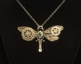 Dragonfly necklace, Clockwork dragonfly pendant, steampunk dragonfly jewelry, industrial jewelry, dragonfly pendant, fantasy jewelry,
