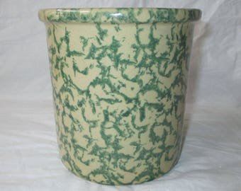 Robinson Ransbottom (RRPCo) 1-quart High Jar Green Spongeware on Tan Stoneware (c. 1970s)