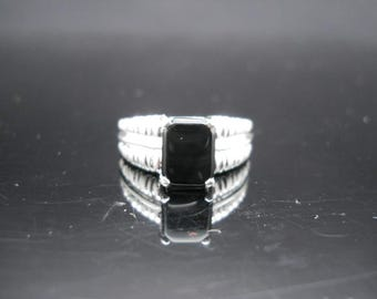 Sterling Silver Onyx Ring Size 7 Bright Finish 925 Jewelry