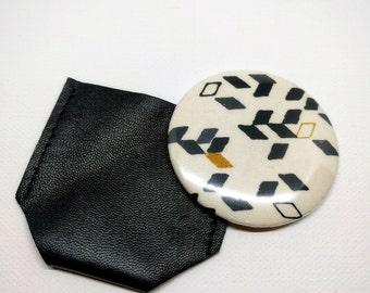 Twist mustard pocket Mirror & Black Leather case
