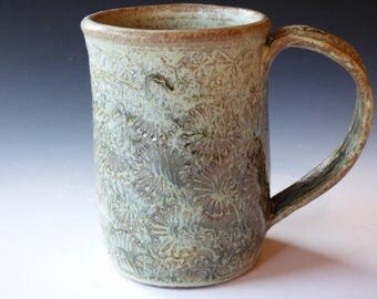 green daisy mug