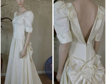 Beautiful Vintage 90s ivory wedding gown with train by Alfred Angelo