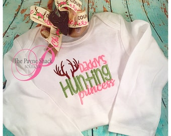 Take Home Outfit, Baby Girl Onesie, Newborn Onesie, Daddy's Hunting Princess, Newborn Baby Clothes, Embroidery