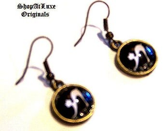 Leaping Cats Glass Cabachon Antique Bronze Earrings