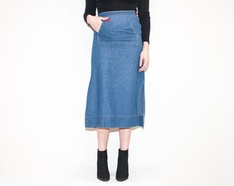 on sale - 90s 00s blue chambray high waist skirt / medium wash a-line midi skirt / size 25