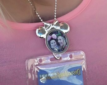 Disney Annual Passholder/Or ID Holder Custom Picture Minnie Mouse Lanyard/Work ID Badge With Chain/Clear Protective Card Holder