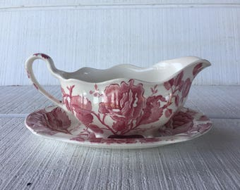Vintage English Chippendale Gravy Boat Pink Red Johnson Brothers, Red Pink Transferware transfer ware, Vintage English Chippendale China