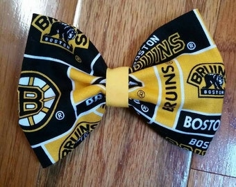 Yellow Bruins bow