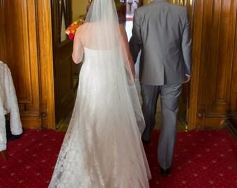 Ivory wedding veil one tier Waltz 52 ins long.