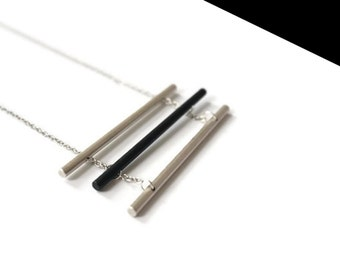 Necklace silver trio.