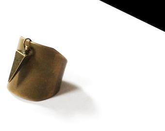 Ring bronze spike.