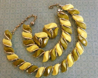 Lemon Lime Thermoset Necklace Bracelet Earrings Gold Tone Yellow Green Parure