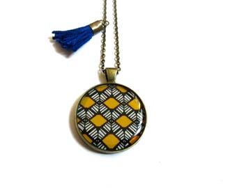 COLLIER motif ethnique jaune collier  graphiques moutarde pompon bleu, collier ethnique, motif géométrique, sautoir motif vintage,cabochon