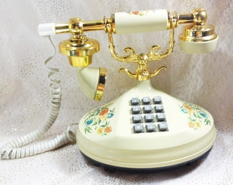 Vintage French Vanilla Empress Working Telephone