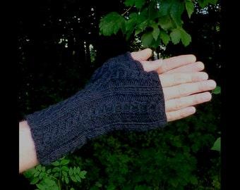 Mens Gloves. Mens Fingerless Gloves. Mens Hand Warmers. Wrist Warmers. Arm Warmers. Mens Gloves.  Pure Wool.  Black or Teal.