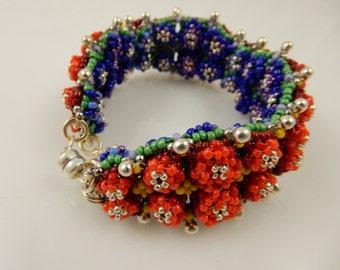 Spring/fall reversible bracelet