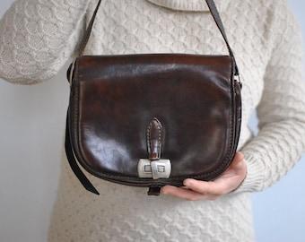 Vintage LEATHER SHOULDER BAG...........(036)