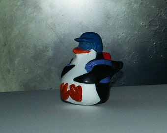 Penguin toy/McDonald toy/Battery toy