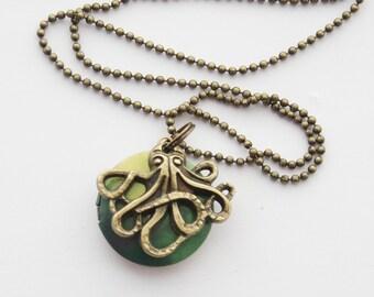 Octopus Locket, Nautical Locket, Photo Locket, Octopus Necklace, Octopus Jewelry, Ocean Locket, Water color Locket, Tentacles Necklace