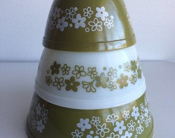 Vintage Pyrex Crazy Daisy Mixing Bowls #401 402 403 Set of 3