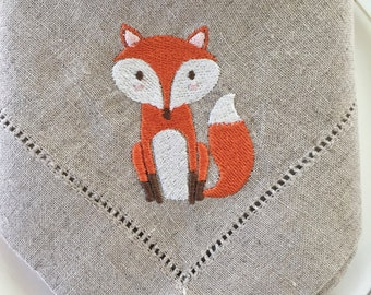 Embroidered Linen Cloth Napkins with Fox.  Fine Table Linens.  Table decor.  Home Decor.  Fox Lovers Gift.