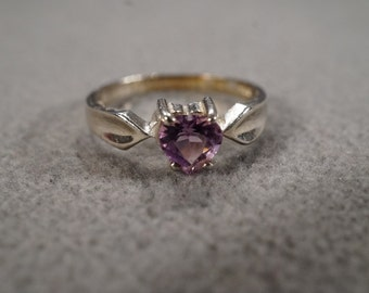 vintage sterling silver solitaire ring with a large prong-set heart-shaped amethyst stone in a tapered setting, size 8  M2