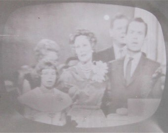 Original 1960 Vice President Nixon and Family Republican Convention TV Television Snapshot Photo - Free Shipping