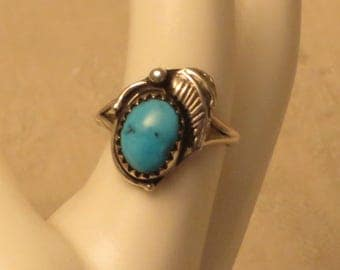 Vintage Southwestern Native American Navajo sterling silver turquoise ring size 5