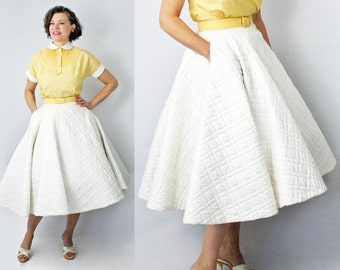 Quilted Circle Skirt / White Quilted Skirt / 1950s Skirt / 50s Skirt / 1950s Quilted Skirt / 50s Quilted Skirt / XXS Skirt / Waist 22""