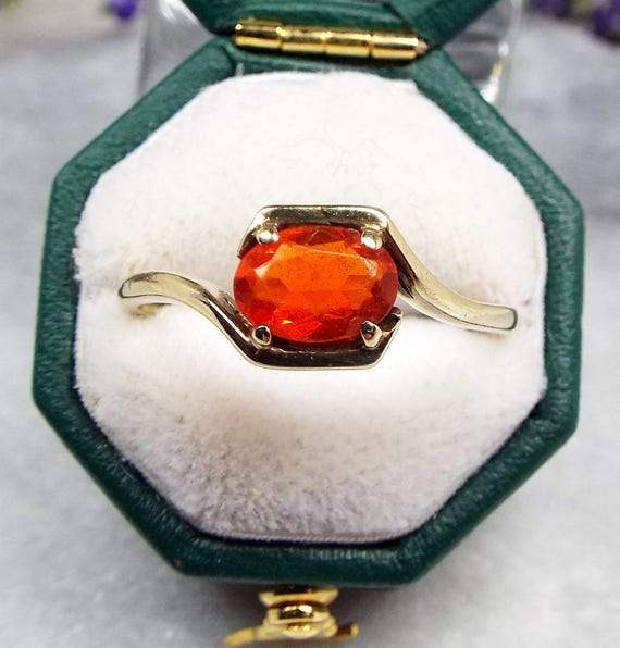 Vintage 1986 9ct Yellow Gold Art Deco Style Orange Red Fire Opal Ring / Size P