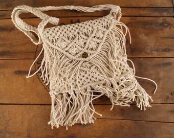 Vintage Macrame Purse//Fringed Shoulder Bag//