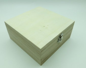 Small Wooden Box with lid Metal Fitting/ natural unfinished wood box / Storage Box / Decoupage