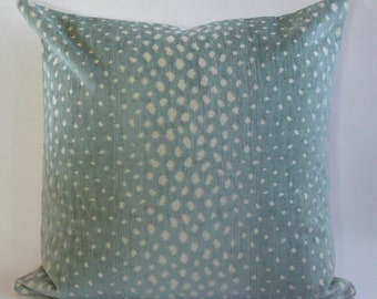Gazelle Pillow Cover in Aqua