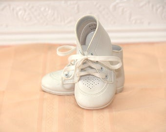 Girls Vintage White Baby Shoes - Size 1 - Vintage Baby Shoes - Vintage Saddle Shoes - Vintage Boys Shoes - Vintage Girls Shoes