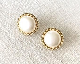 Sale Faux pearl clip on earrings