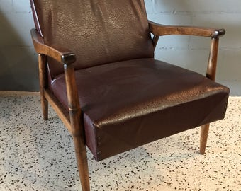 Mid Century Modern Walnut Lounge Chair