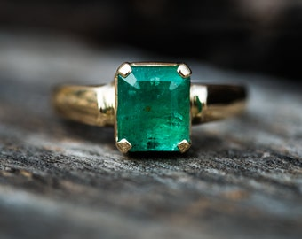 Emerald Ring 14K Gold Size 6.5 - Emerald Jewelry - Engagement Ring Alternative - 14k Gold - Emerald Ring - Natural Emerald - Ring Size 6.5